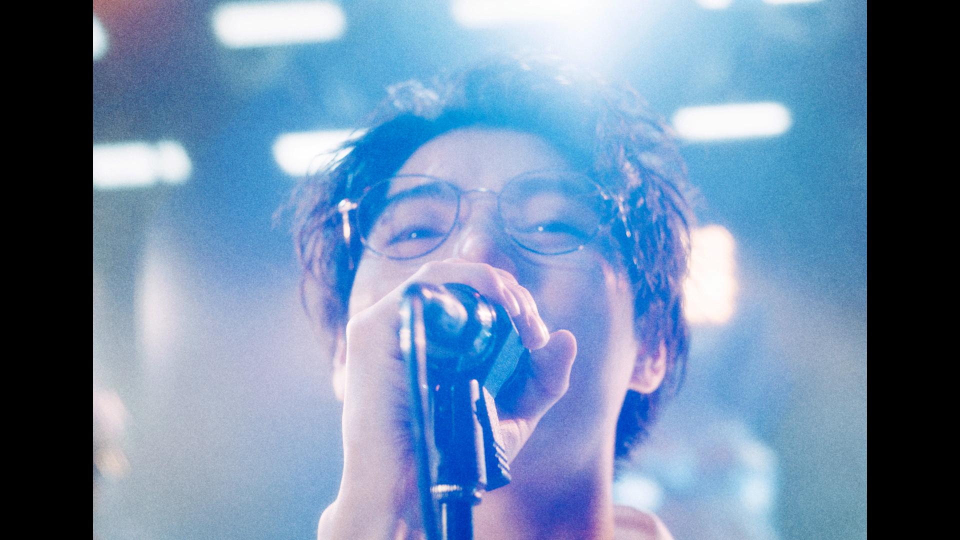 新CM放映開始!村上虹郎さんがTHE BLUE HEARTSの名曲アレンジを熱唱。Zoffの新CM「夢」篇