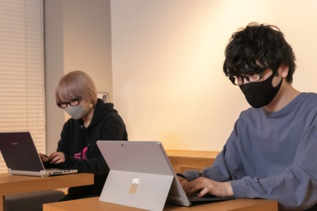 集中できる環境を作るメガネとパフォーマンスに関するアンケート調査